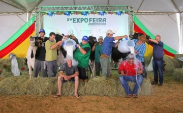 Propriedades trazem nove prêmios para Humaitá nos campeonatos de gado Holandês da XV Expofeira